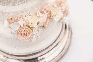 Hochzeitstorte und Hochzeits DJ Österreich für eine perfekte Hochzeit